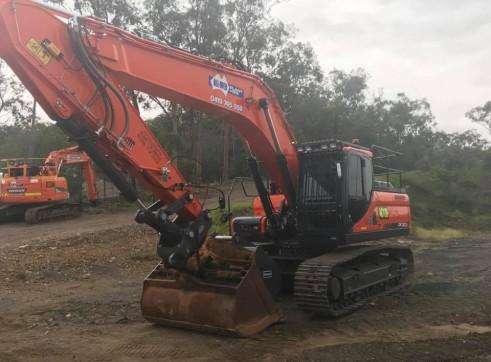 30T Excavator full bucket range, hammer, full mine spec 4