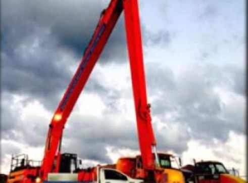 30Tonne Long Reach Excavator 2