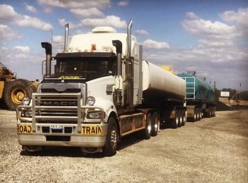 32,000L Semi Water Truck 1