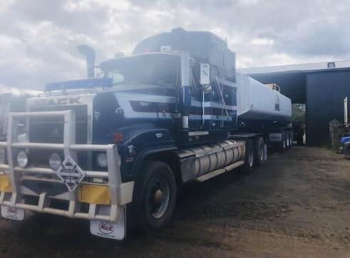 32,000L Semi Water Truck 3