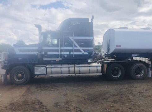 32,000L Semi Water Truck 4