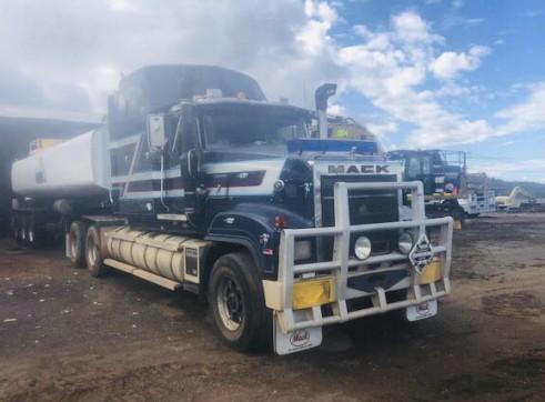 32,000L Semi Water Truck 5