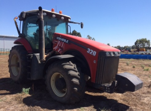 320HP FWA Versatile Tractor 3
