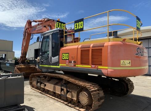 33 Tonne Excavator 2