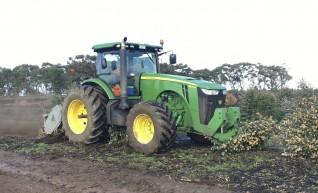 335HP FWA John Deere 8335R Tractor 1