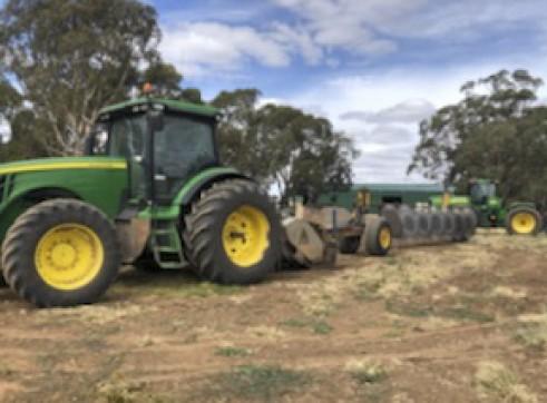 335HP FWA John Deere 8335R Tractor 2