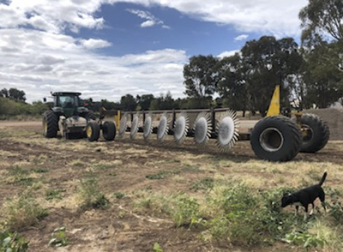 335HP FWA John Deere 8335R Tractor 4