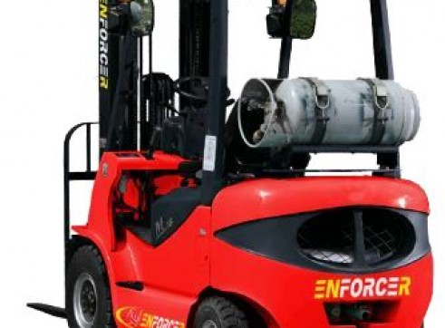 3.5T Gas Forklift w/Container Mast