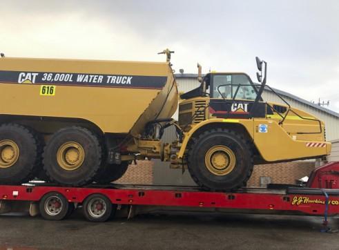 36,000L Caterpillar Artic Water Cart 1