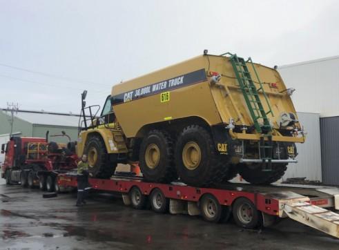 36,000L Caterpillar Artic Water Cart 2