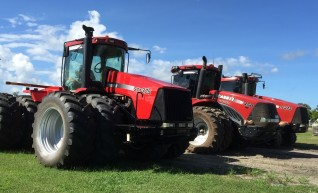 375HP Case IH STX375 Tractor w/14FT Scraper Bucket 1