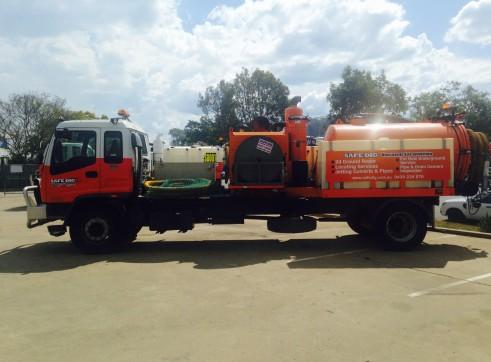 4,000L Vacuum Excavation Trucks 1