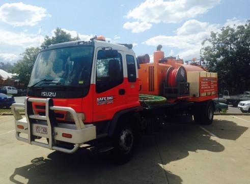 4,000L Vacuum Excavation Trucks 2