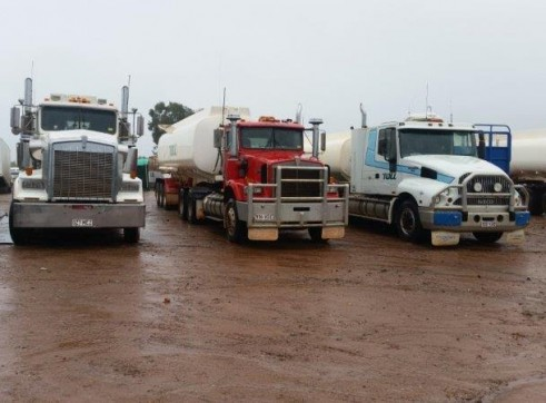 4 x 25,000L Semi Water Trucks 1