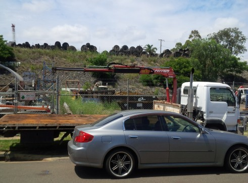 4.5T Crane Truck with Tow Ball 2