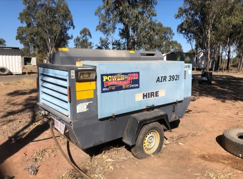 400CFM Atlas Copco Air Compressor w/built in dryer 1
