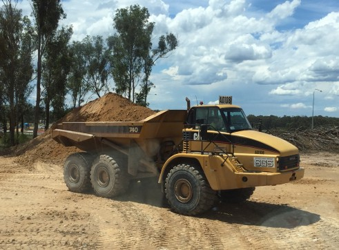 40T Cat Artic Dump Truck (740E) (Tippers)  1