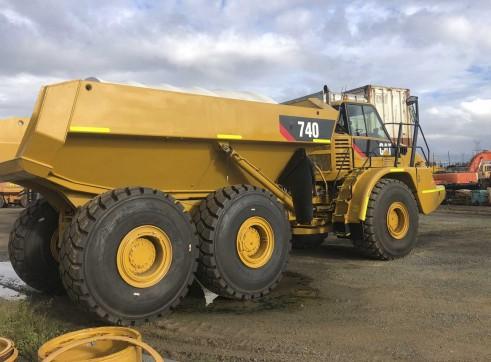 40T Caterpillar 740 Artic Dump Trucks 2