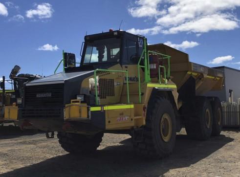 40T Komatsu HM400 Artic Dump Trucks 2
