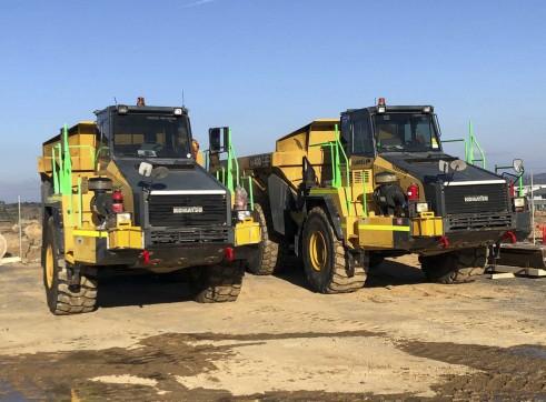 40T Komatsu HM400 Artic Dump Trucks 3