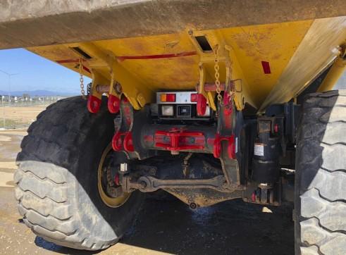 40T Komatsu HM400 Artic Dump Trucks 5