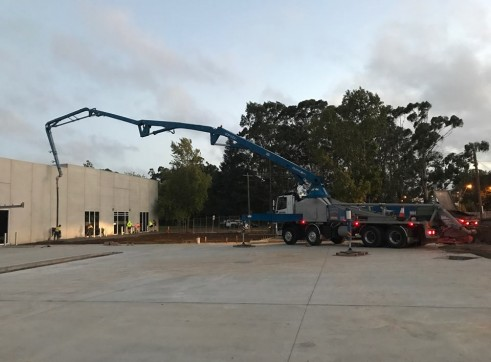 42m Truck Mounted Concrete Boom Pump 5