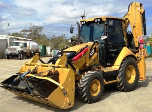 432E Cat Backhoe 1