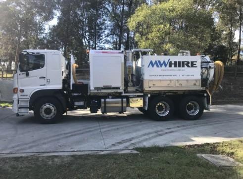 4500L Vacuum Excavation Truck 3