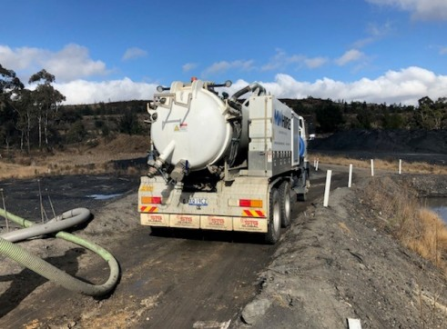 4500L Vacuum Excavation Truck 7