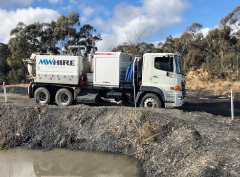 4500L Vacuum Excavation Truck 9