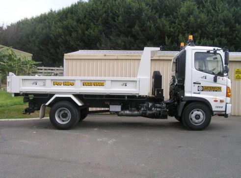 4m Tipper & 3.6T Excavator Combo 3