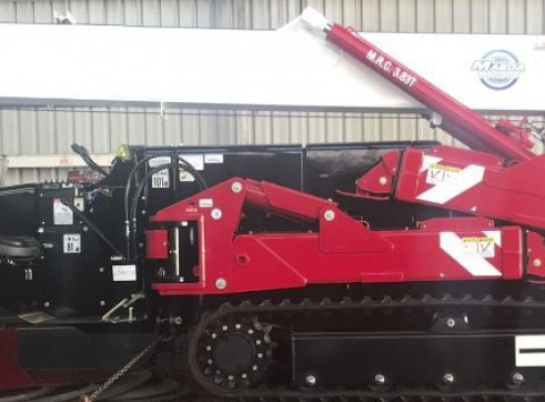 4T Maeda Crawler Crane 2
