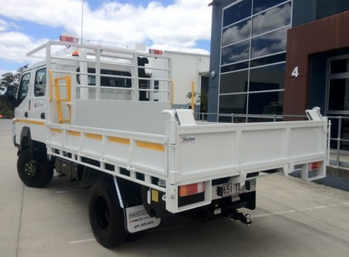 4x4  Canter Crew truck 3