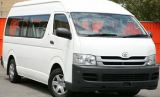 4x4 Toyota Commuter 1