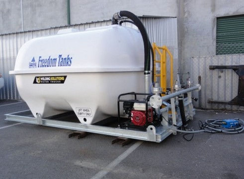 5,850 Litre Fibreglass Watercart 2