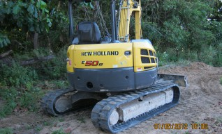 5 Ton New Holland Excavator  1