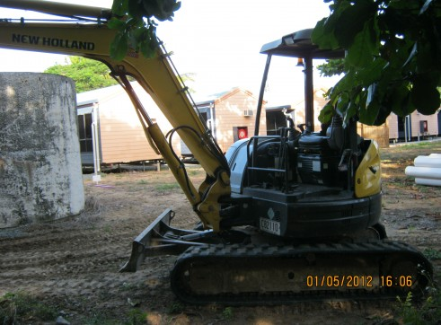 5 Ton New Holland Excavator  2