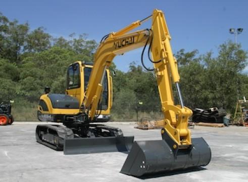 5.7T Yuchai YC55-8 5 tonne Excavator 2