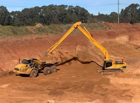 50T 22 metre Longreach Excavator 1