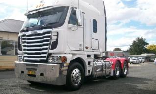 580HP Freightliner Argosy Prime Mover 1