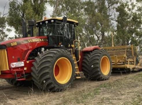 520HP Versatile 4WD Tractor w/Toomey Laser Bucket 2
