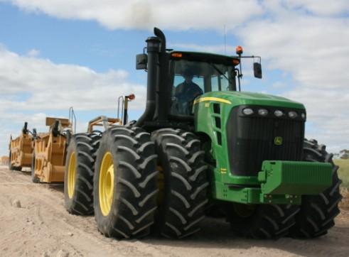 530HP John Deere 9630 Tractor w/14FT Scraper Bucket 1