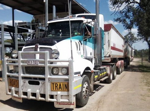 550HP Prime Mover w/single or road train grain tippers 1