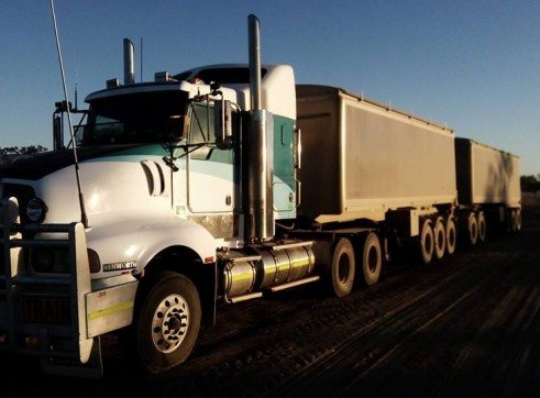 550HP Prime Mover w/single or road train grain tippers 2