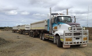 550HP Prime Mover w/single or road train side tippers 1