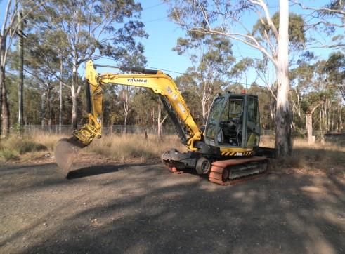 5t  - 8t hi-rail excavator  1