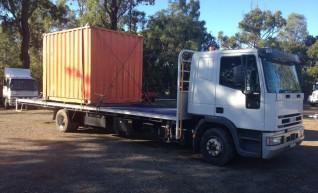 5T Crane Truck w/9.14m tray 1