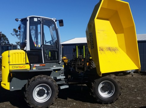 6 tonne Dumper 180 degree swivel and full cab 2