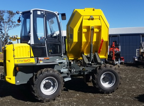 6 tonne Dumper with aircon cab and swivel bin 1
