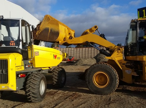 6 tonne Dumper with aircon cab and swivel bin 3
